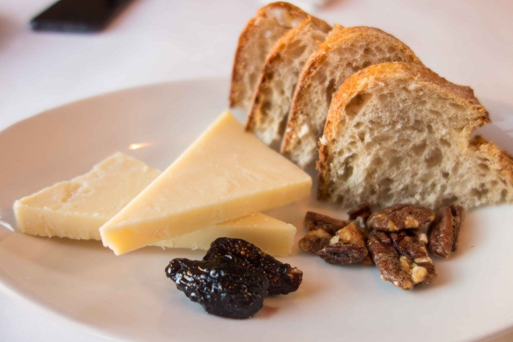 Seahive Beehive cheese, figs in port, walnuts and bread.