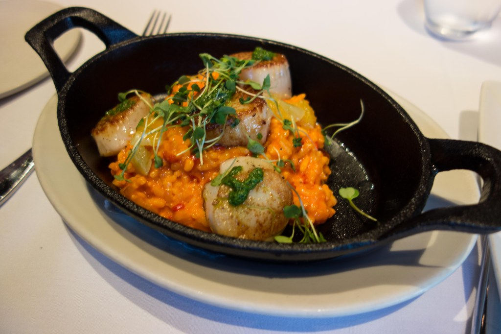 Scallops with saffron risotto