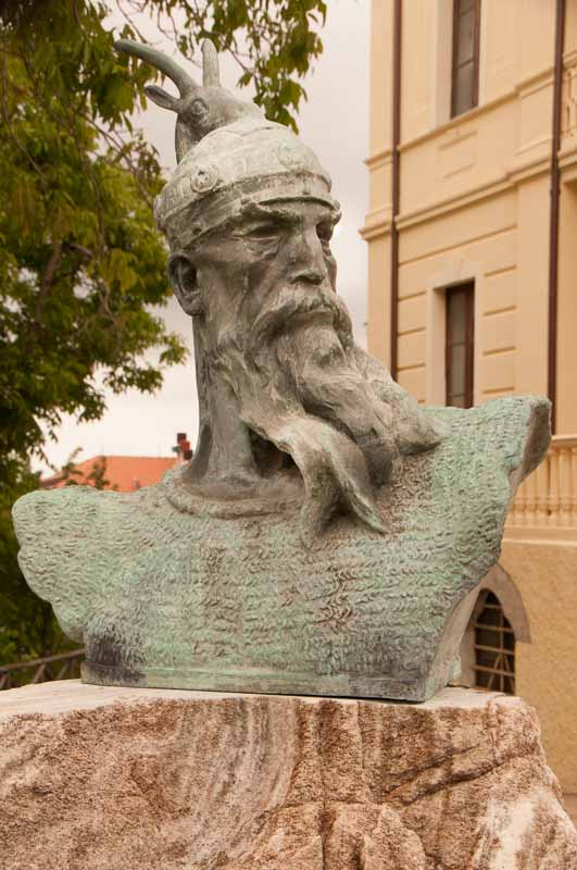 Poseidon?  An Albanian king?  I have no idea and there was no plaque.