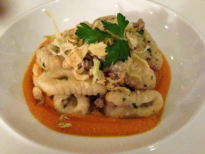 Ndunderi, a heavy, dumpling like pasta