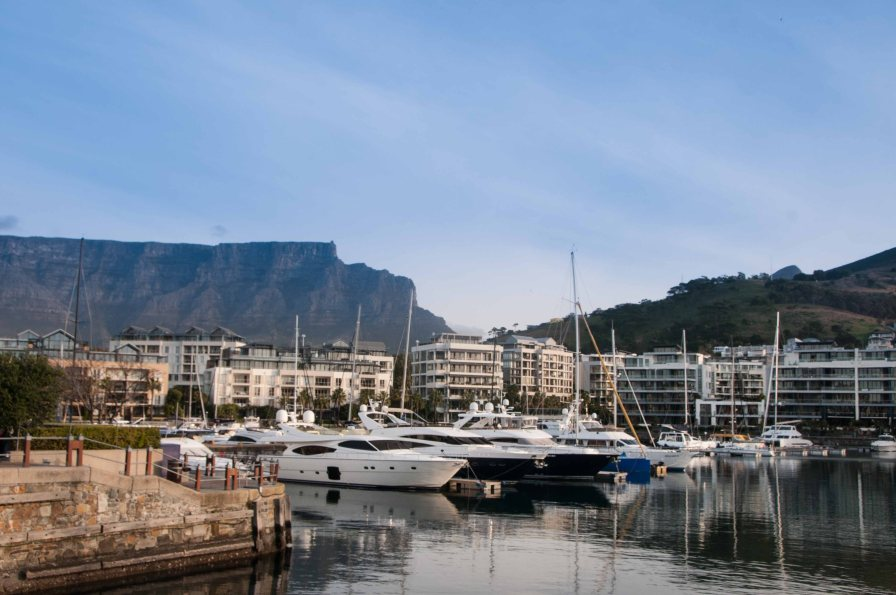 The marina behind our hotel, Table Mountain in the background.