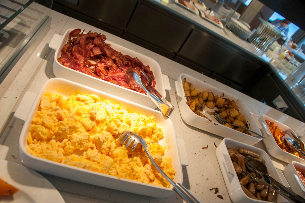 Eggs, bacon, sausage, potatoes, all the usual breakfast items.