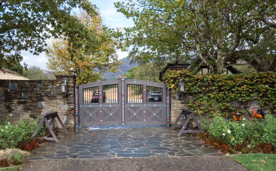 The gates to Neverland.