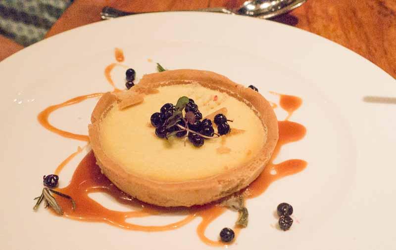 Lemon tart with huckleberries