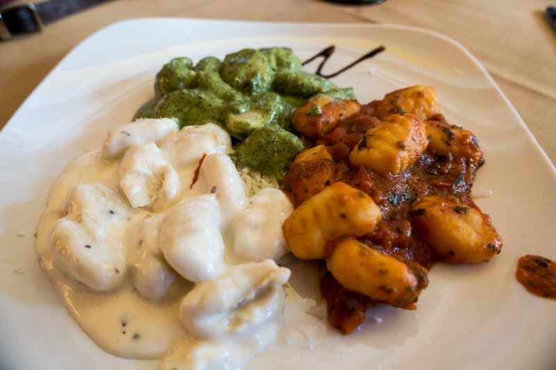 Pesto, bolognese and alfredo sauces