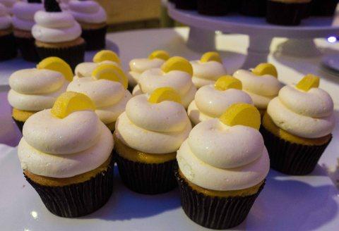 Lemon frosting, lemon cake.