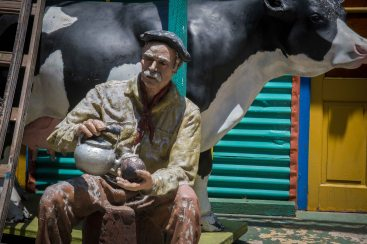 This is actually sculpture of a ranch hand with his mate cupe